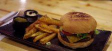 欧米人が多く住むダナンのハンバーガー店ガイド!あなたはどのバーガーがお好き?