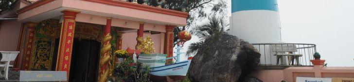フーコック島の中心にある海を望むお寺「カウ岩」に行こう