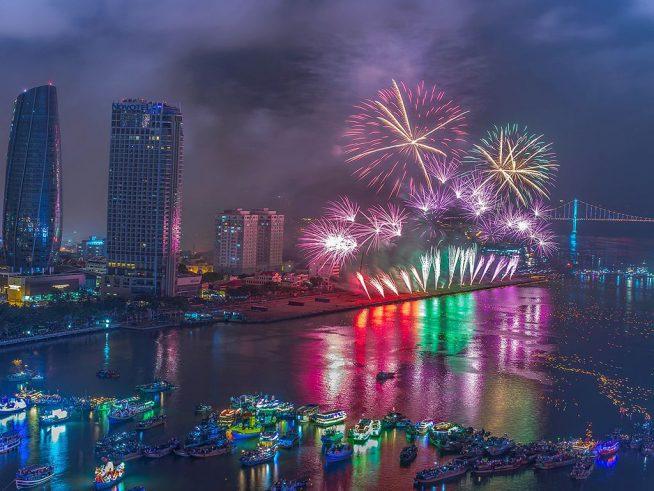 ダナン国際花火大会が4月から6月にかけて開催されます。