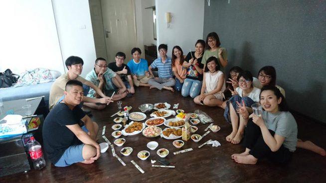 日本料理をみんなでつくる、クラブ活動の様子(Japanese Food Club)