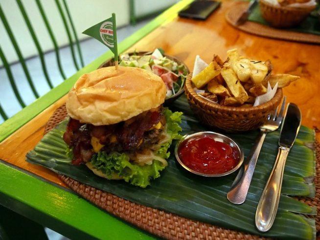 素材にこだわったボリューム満点のハンバーガーは種類豊富でどれも絶品である。