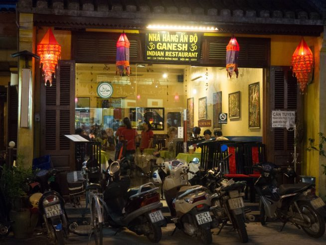 ベトナムに全国展開しているインド料理レストラン。本場のレシピを用いた料理が幅広い世代に好評。