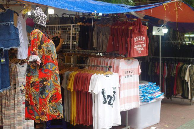Tシャツやパーカー、ワンピースなど種類は様々