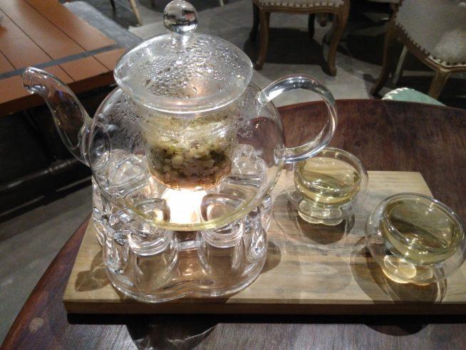 いつまでも温かいお茶が楽しめるポット