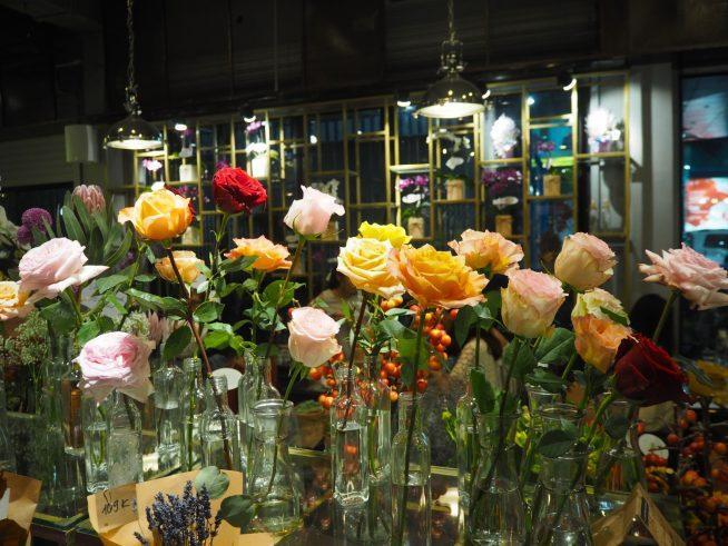 お土産に色とりどりの花はいかがでしょう