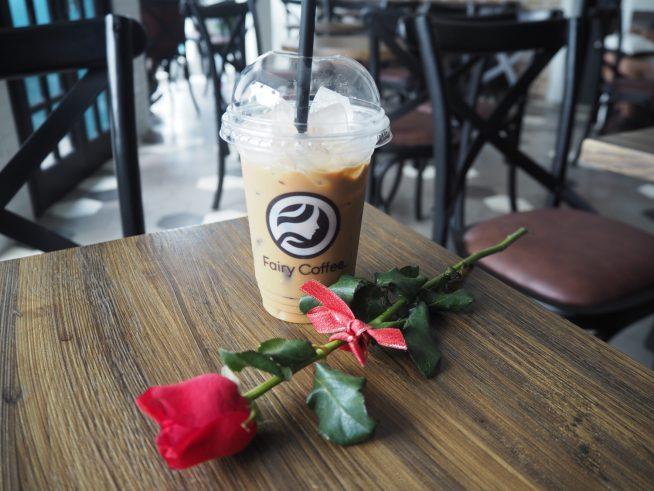 Fairy coffeeのアイスミルクチョコレートコーヒー 45,000ドン(約225円)