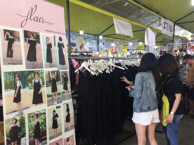 黒いドレスを扱っていたお店