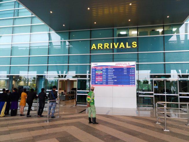ダナン国際空港は警察の姿が多い