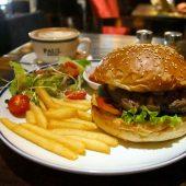 プクカフェ&バー(Puku Cafe & Bar)