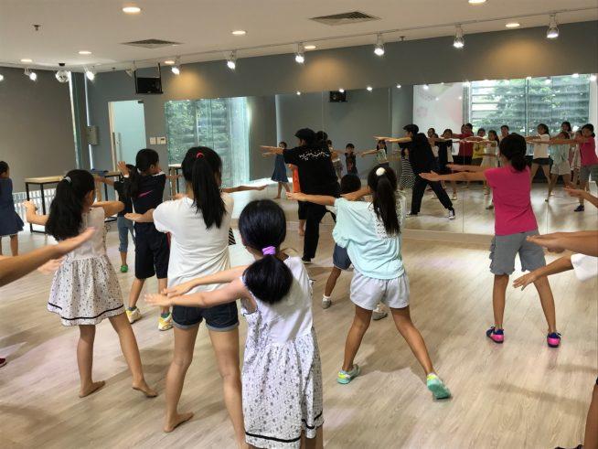 子どもたちとダンス