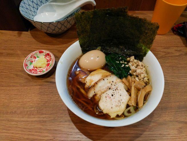 特製鶏そば(16万ドン)