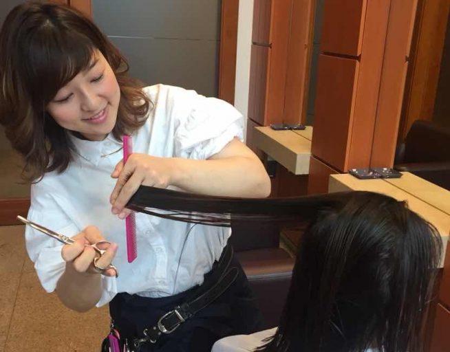 確かなカット技術で、クセなどの髪質や毛流れを生かした「再現性」のあるヘアスタイルづくりが得意