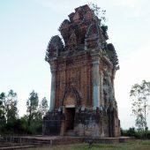 銅塔(Tháp Cánh Tiên)
