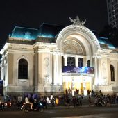 ホーチミンへ来たらサイゴンオペラハウスでショーを観よう!!