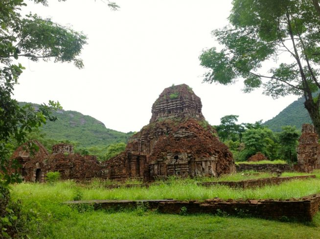 山の中にひっそりと佇むチャンパ最大の遺跡群