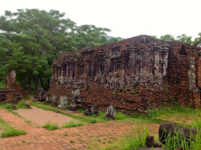 ベトナム最大のチャンパ遺跡「ミーソン遺跡」