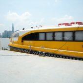 サイゴン川を走る水上バスに乗ってみよう!チケットの取り方、船内の様子、各停留所周辺情報も紹介します。