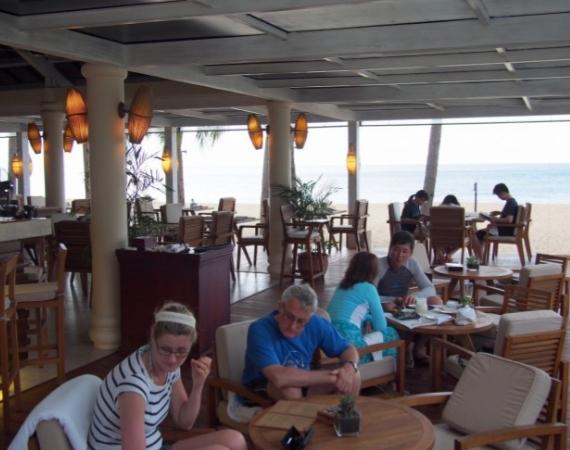 ビーチに面したレストラン
