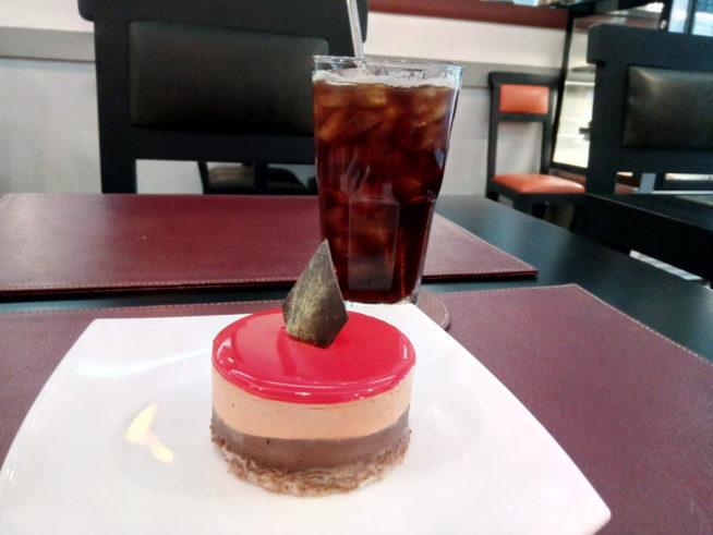 アンジュール・ア・パリのケーキ