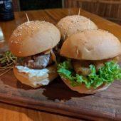 ザ ハッピーバッファローレストラン&バー(The Happy Buffalo Restaurant & Bar)